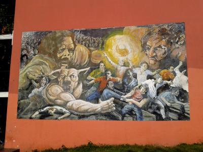 20120519052803-plazoleta-santoro-chacarita.jpg